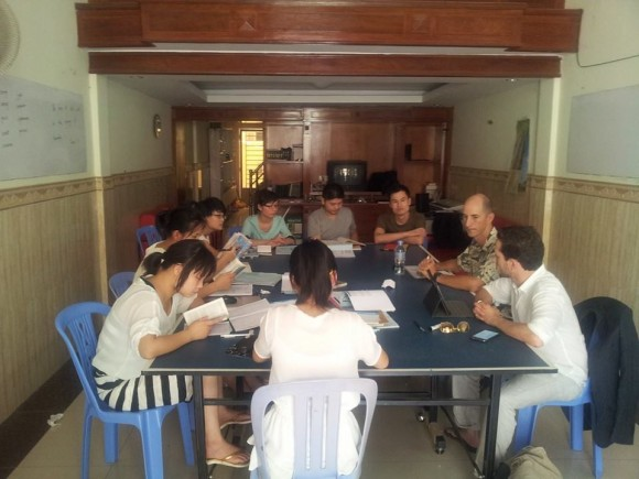 teaching chinese mission students in cambodia
